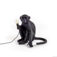 Seletti 14922 sitting MONKEY black лампа настольная обезьяна с лампочкой